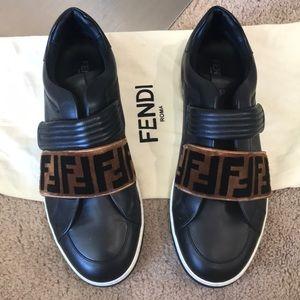 FENDI black leather velvet logo Tappetino sneakers
